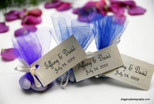 Надписи на подарках для гостей 331