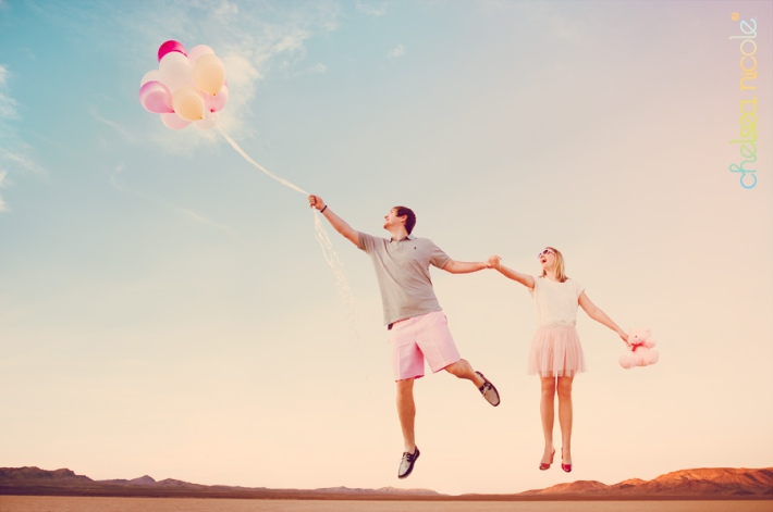 las-vegas-engagement-shoot-with-balloons1